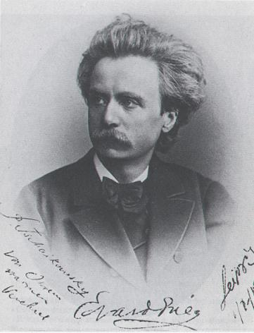 A signed photograph from Edvard Grieg (1843-1907), dating from 1891